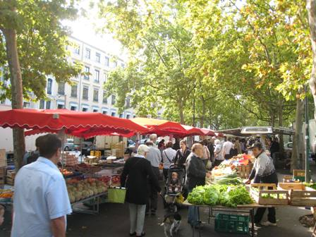 Market on the Soane River, Saturday 26 September 2009.