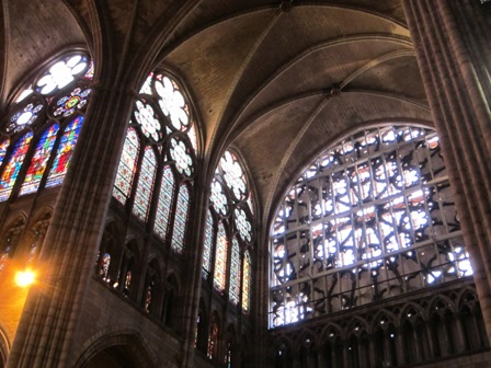 Travaux de la rose sud de la basilique 20100312-BSD_interior_3051